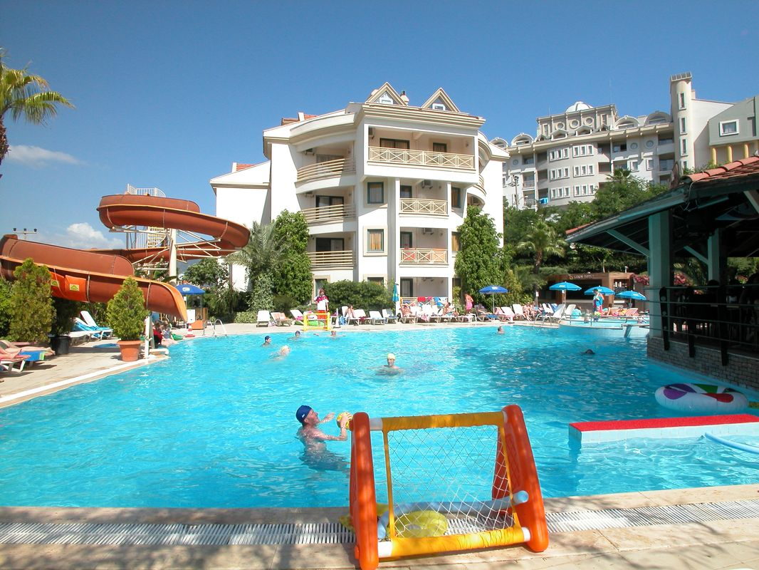 Club Cettia Apartments